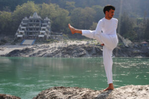 swami-vivekananda-yoga-and-meditation-school-laxmanjhula-pauri-yoga-classes-3oey757