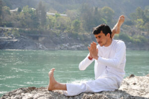swami-vivekananda-yoga-and-meditation-school-laxmanjhula-pauri-yoga-classes-y9wifh