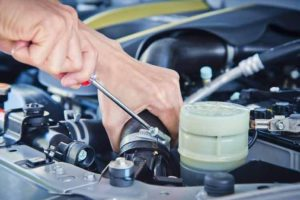 shutterstock-110247845-car-repair-and-services-8-lqgla
